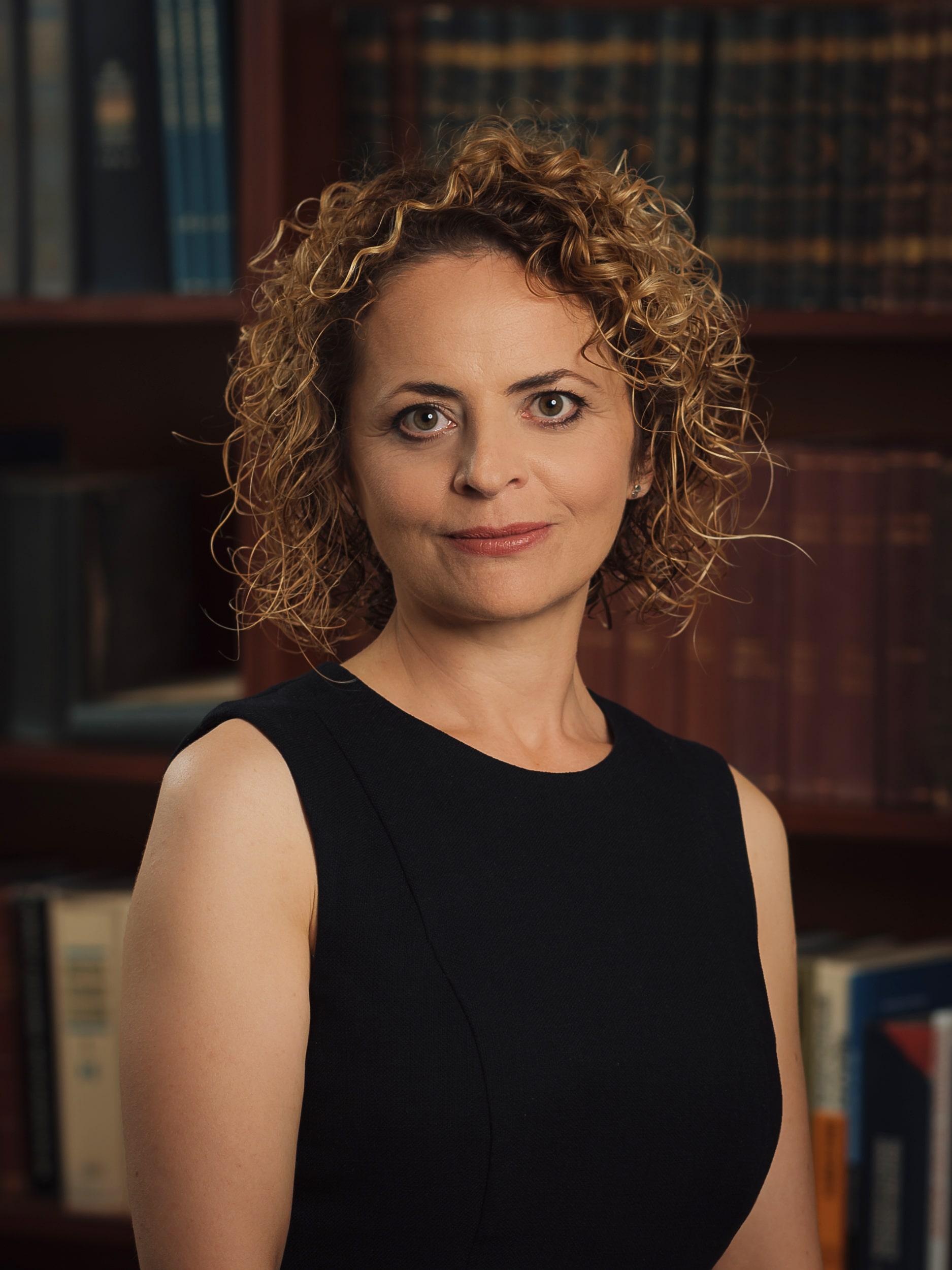 Доктор Жужа Ева Кретц